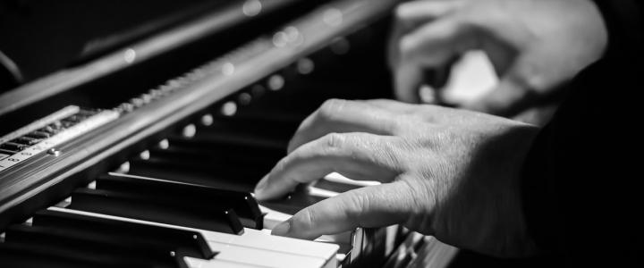 left-hand-piano